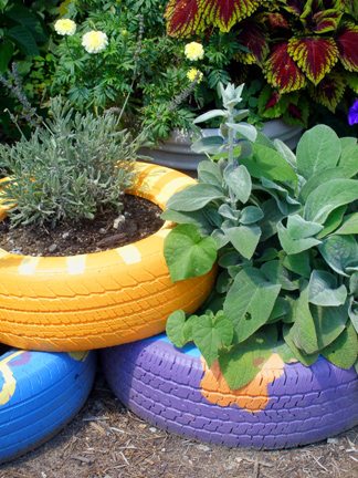 Recycling your old tires to make beautiful planters the for How to make a tire garden